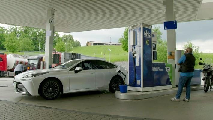 """""""WissenHoch2"""" in 3sat über Wasserstoffantrieb und die Energiewende / Mit einer Wissenschaftsdokumentation und einer Ausgabe von """"scobel"""""""